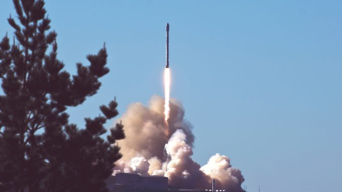 rocket 2587934 1920