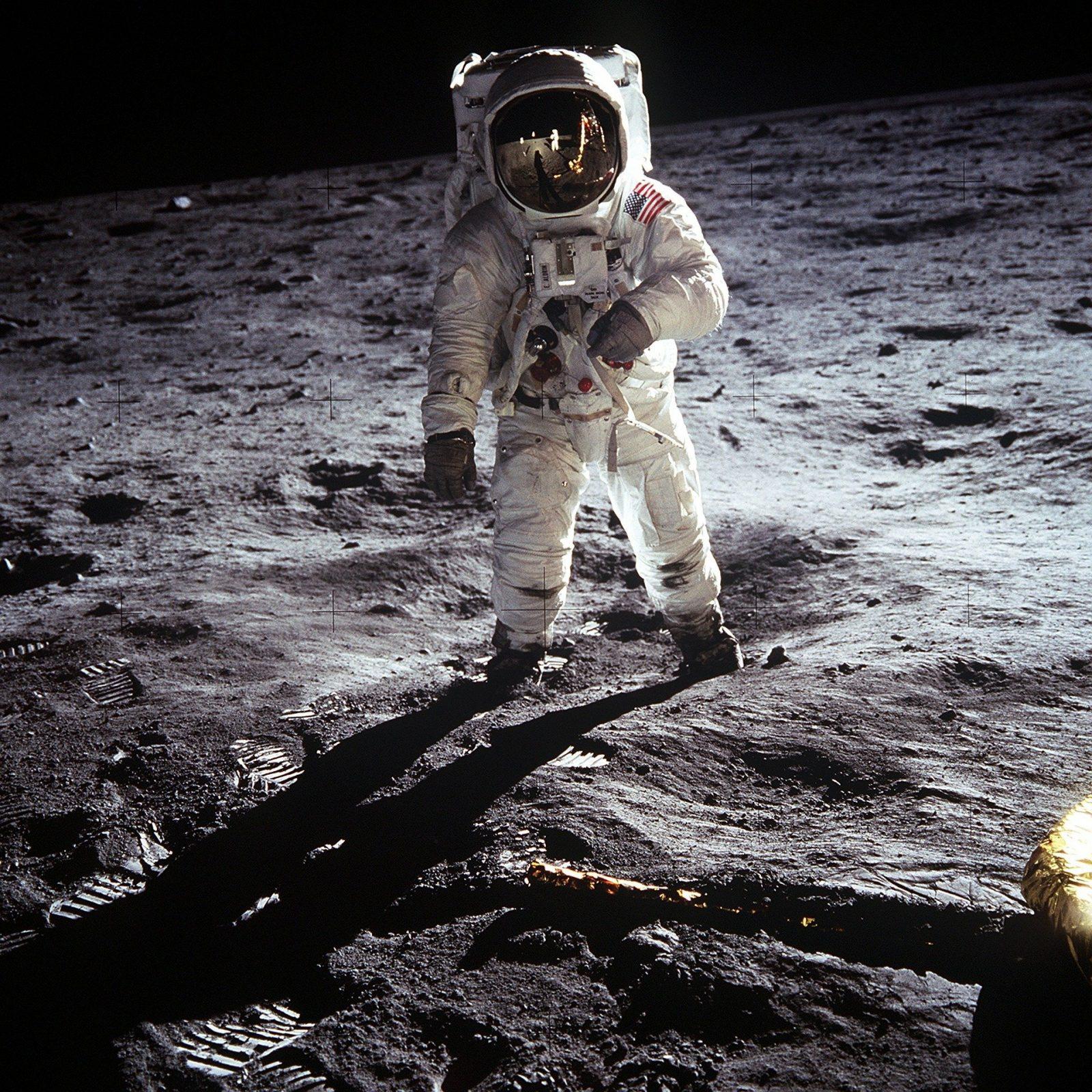 moon landing 60582 1920